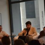 Marian Turski, prowadzący spotkanie - Remigiusz Grzela