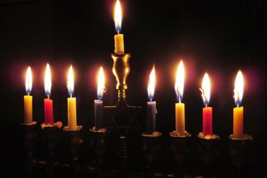 candles chanuka
