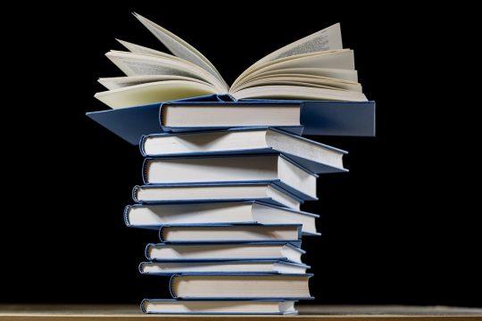book-2852903_960_720