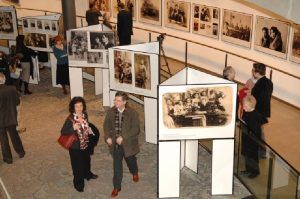 Mayor of London & Deputy Mayor launch Exhibition. Images of Polish Jews. Curated by The Shalom Foundation.